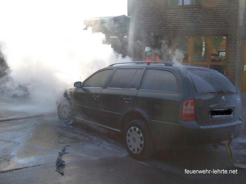 Verhalten beim Fahrzeugbrand