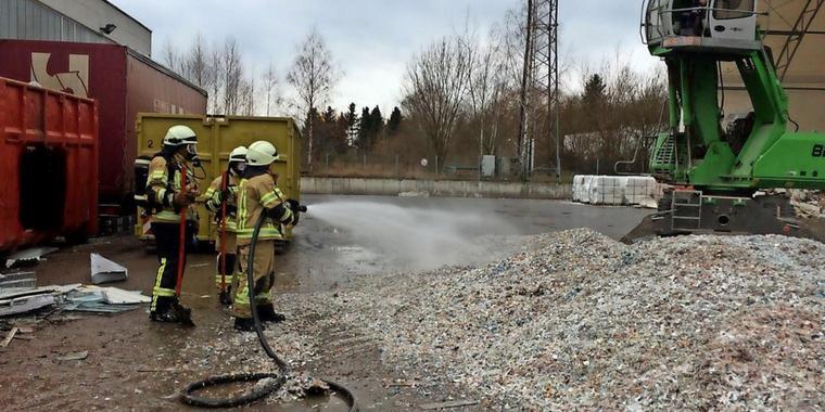 Nr. 008: Brennender Kunststoff löst Großalarm aus