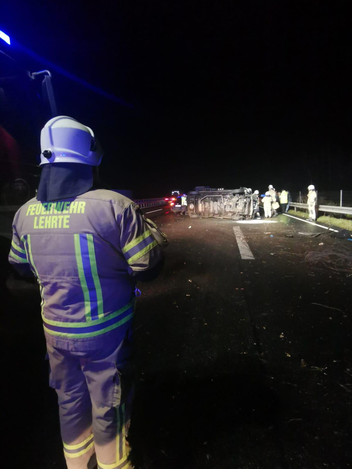 2019-12-18_hba1_BAB2_Verkehrsunfall