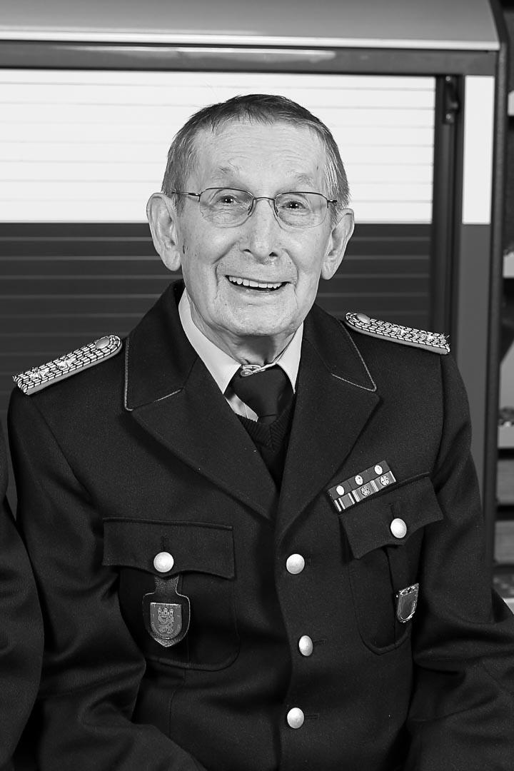 Wir trauern um unseren ehemaligen Ortsbrandmeister Günter Oehlmann
