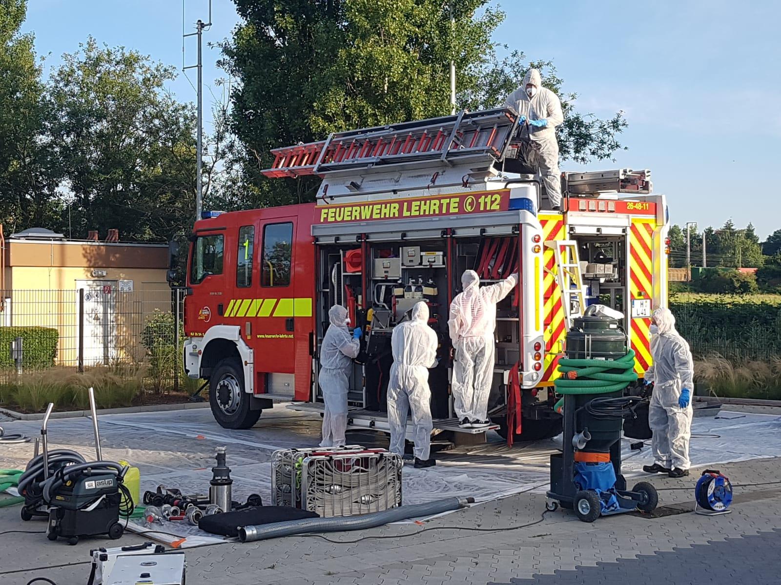 Aufwendige Reinigungsmaßnahmen nach Großbrand