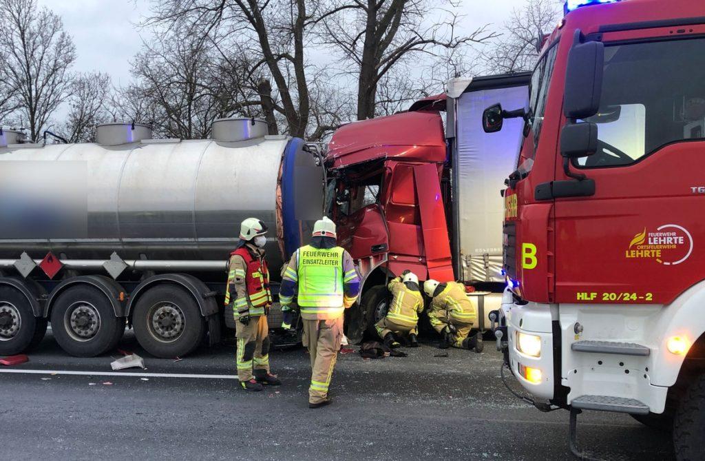 Nr. 006: Verkehrsunfall, eingeklemmte Person